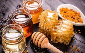 gkmrtmjvletrjgoleijgoigjh54oiy5h4o8yu54ioyu4569vyu5409yu45yi45pk 300x188 ویژگی های عسل خوب